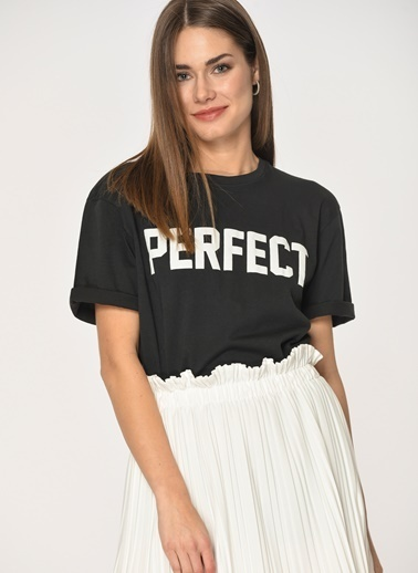 Loves You Perfect Baskılı T-Shirt Siyah